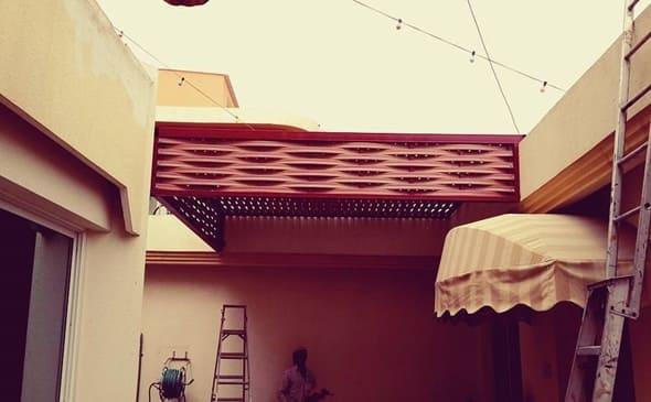 فكرة مظلات سيارات خشب